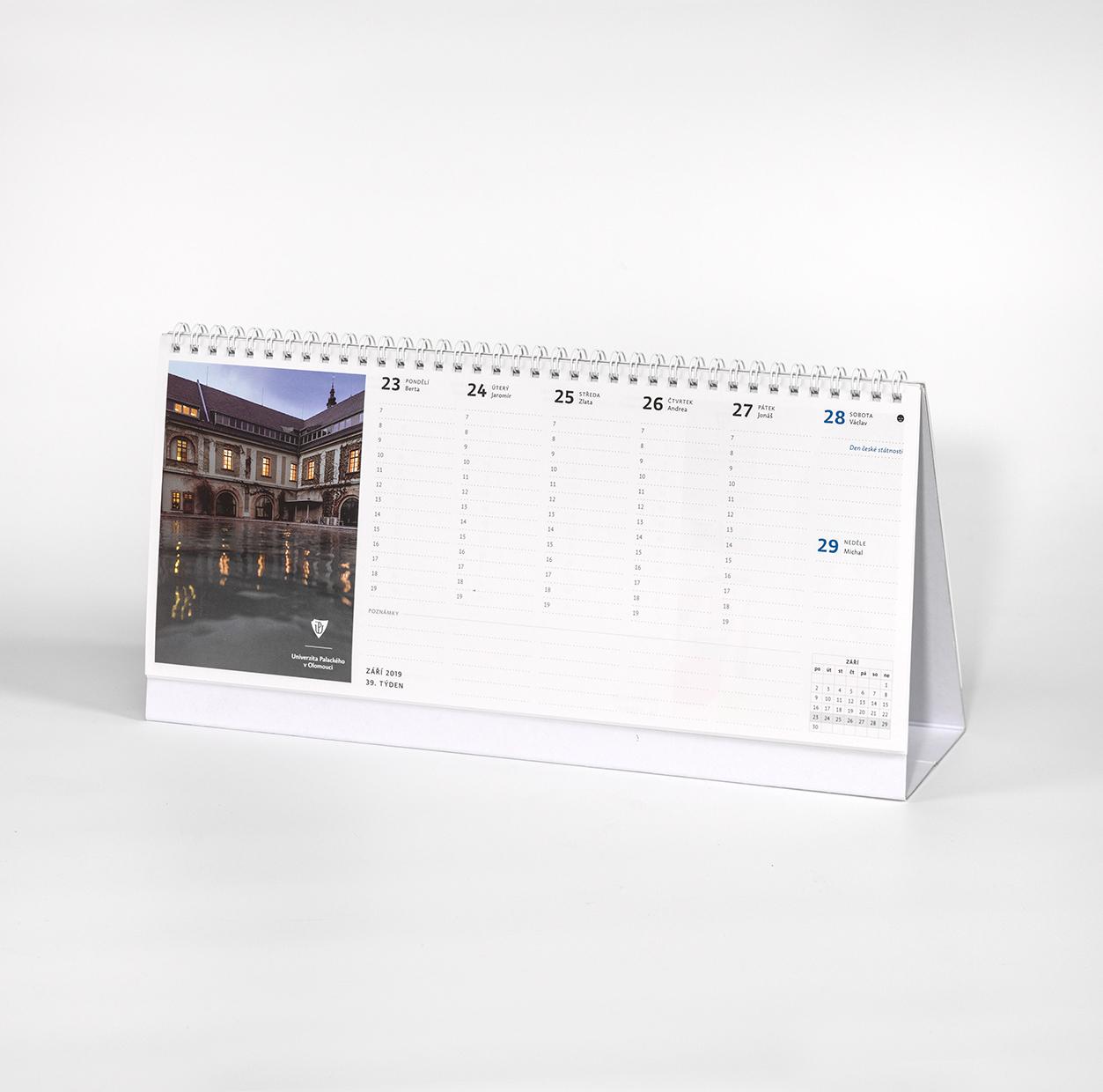 Pořiďte si stolní kalendář adiář na rok 2019 vUPointu!