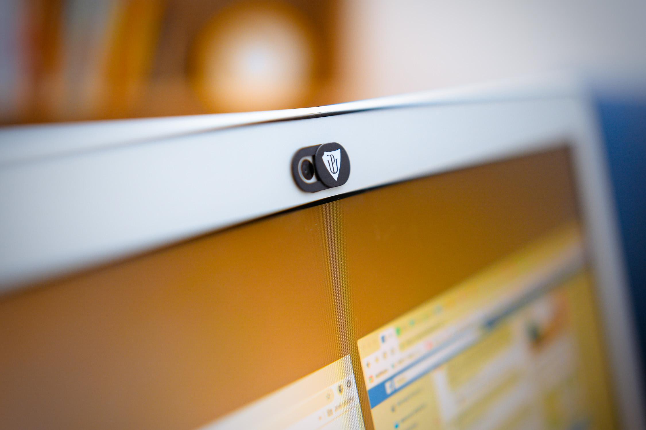 UPgrade your privacy! Snovou krytkou na webkameru