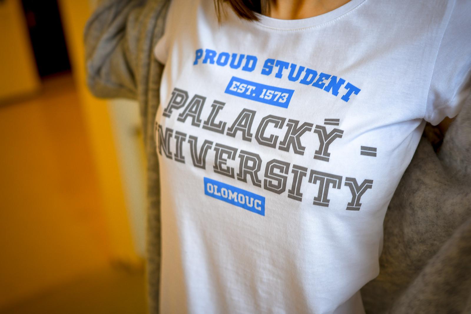 Novinka pro šatníky hrdých studentů
